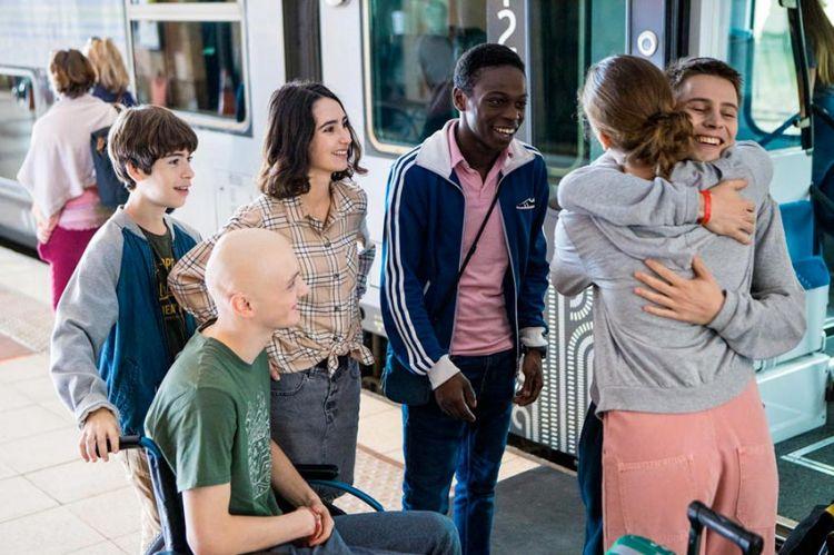 """""""Les bracelets rouges"""" : découvrez les 8 premières minutes de la saison 3 qui démarre lundi sur TF1 (vidéo)"""