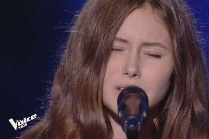 """Replay """"The Voice Kids"""" : Amélie chante « Stone cold » de Demi Lovato (vidéo)"""