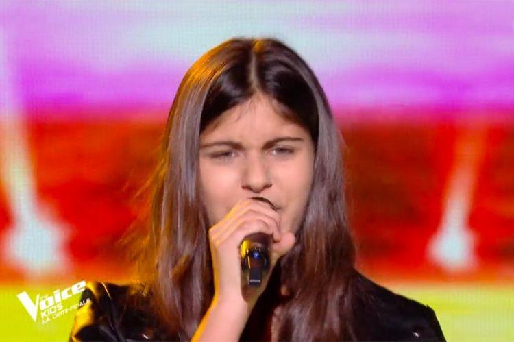 """Replay """"The Voice Kids"""" : Alice chante « Conga » de Gloria Estefan (vidéo)"""