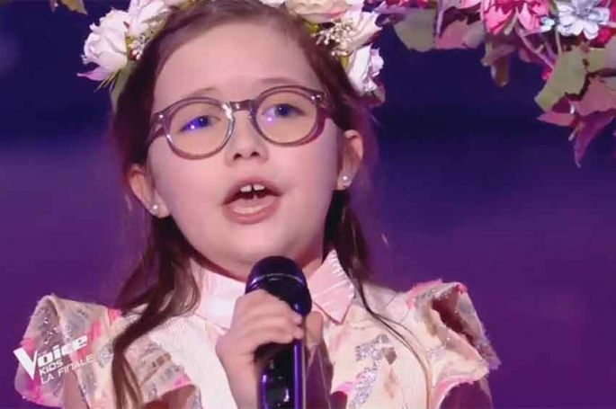 "Revoir ""The Voice Kids"" : Emma chante « I have nothing » de Whitney Houston en finale (replay vidéo)"