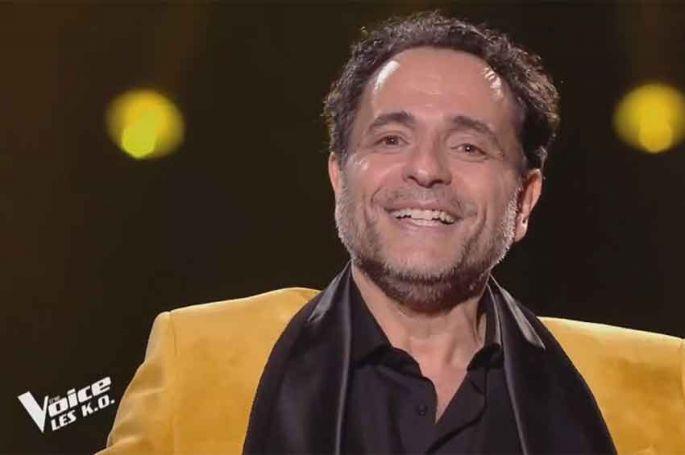 """Replay """"The Voice"""" : Gilles San Juan chante « Can't Take My Eyes Off You » de Gloria Gaynor (vidéo)"""