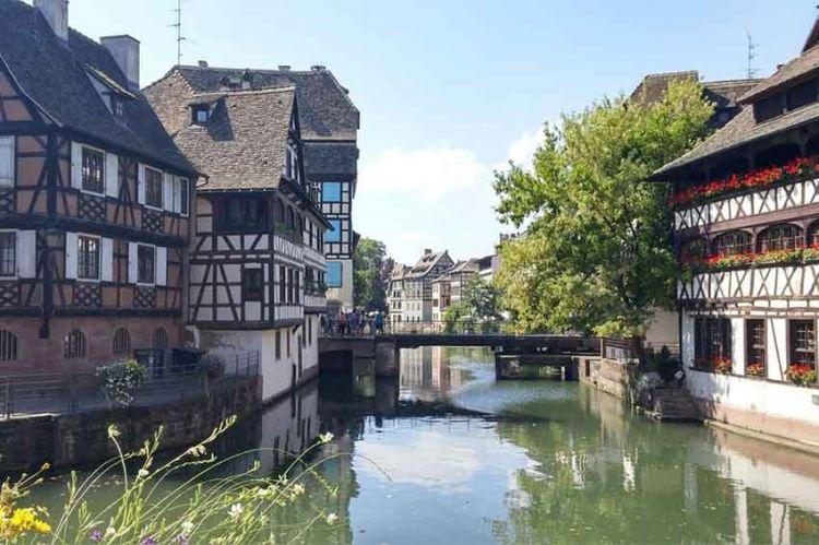 """""""Dispatition inquiétante"""" en tournage à Strasbourg avec Sara Forestier pour France 2"""