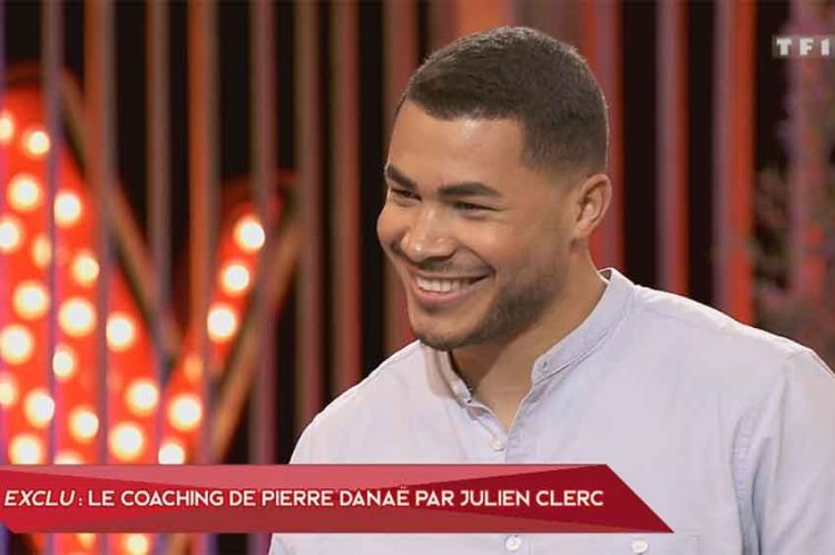 """The Voice"" : Julien Clerc coache Pierre Danaë sur « The Scientist » de Coldplay pour la demi-finale (vidéo)"