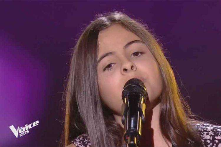 "Replay ""The Voice Kids"" : Eva chante « Down on my knees » d'Ayo (vidéo)"