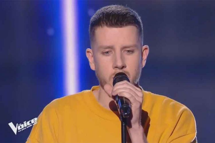 "Replay ""The Voice"" : Alex Adam chante « Un homme heureux » de William Sheller (vidéo)"
