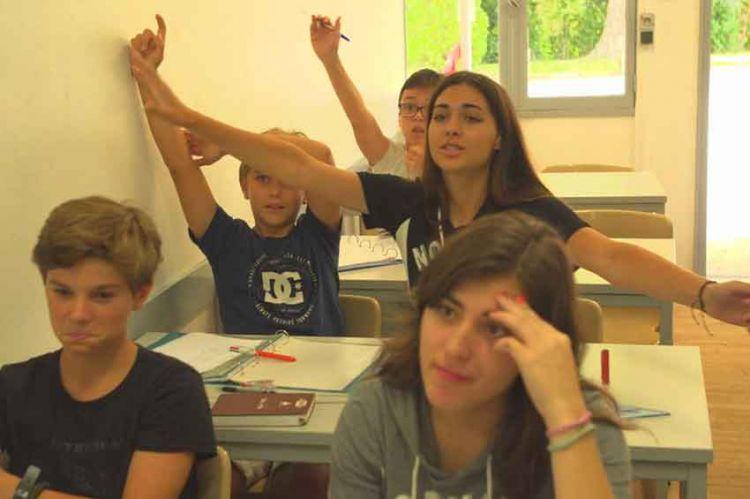 """""""Reportages découverte"""" : les devoirs de vacances, dimanche 21 avril sur TF1"""