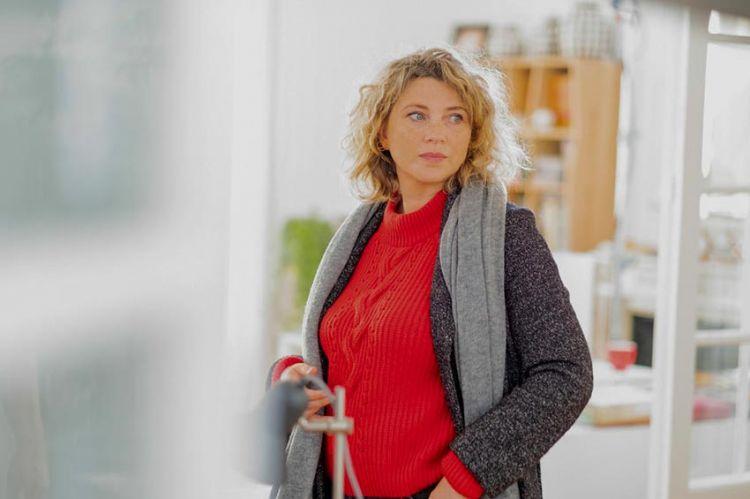 """""""Gloria"""" : Cécile Bois évoque la nouvelle série de TF1 à découvrir le 18 mars"""