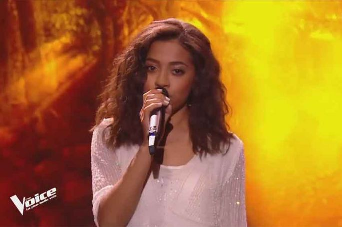 """Replay """"The Voice"""" : Whitney chante « Pour que tu m'aimes encore » de Céline Dion (vidéo)"""