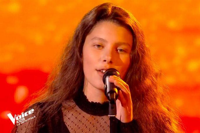 "Replay ""The Voice Kids"" : Chiara chante « La mama » de Charles Aznavour (vidéo)"