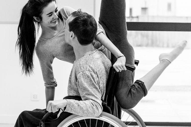 « Laissez-moi aimer », surmonter le handicap grâce à la danse, mercredi 4 août sur ARTE