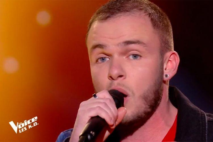"""Replay """"The Voice"""" : Yoann Dejean chante « Elle est d'ailleurs » de Pierre Bachelet (vidéo)"""