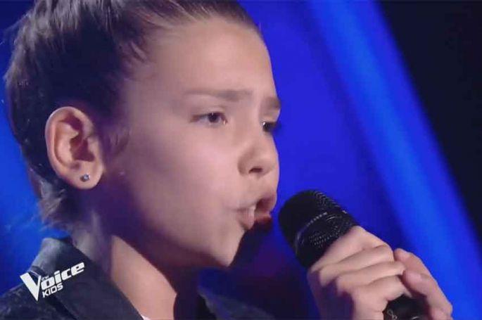 "Replay ""The Voice Kids"" : Clara chante « Bang Bang » de Jessie J (vidéo)"