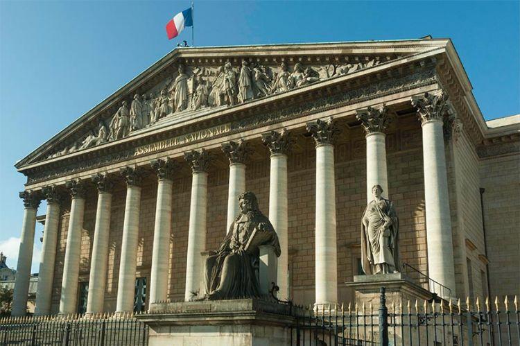 """""""Si les murs du Palais Bourbon pouvaient parler"""", mardi 11 août sur France 2 avec Stéphane Bern"""