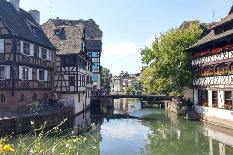 """""""César Wagner"""" en tournage à Strasbourg avec Gil Alma et Fanny Cottençon pour France 3"""