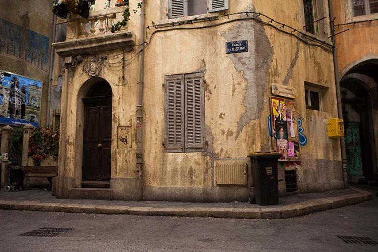 """Un nouveau prime de """"Plus belle la vie"""" en tournage à Marseille et Lourmarin pour France 3"""