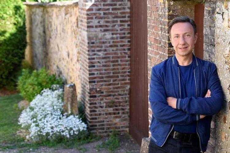 """""""Le Village préféré des Français"""" : Stéphane Bern évoque la saison 8 le 26 juin sur France 3"""