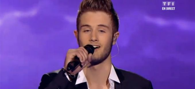 "Vidéo Replay ""The Voice"" : regardez Florian Carli qui interprète « With or without you » de U2"