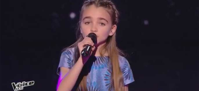 "Replay ""The Voice Kids"" : Angelina chante « J'envoie valser » de Zazie (vidéo)"
