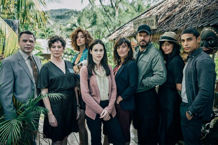 """""""Ils étaient dix"""" : nouvelle série sur M6 adaptée du roman d'Agatha Christie à découvrir dès le 17 août"""