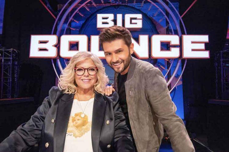 """""""Big Bounce, la course de trampoline"""" sur TF1 avec Laurence Boccolini et Christophe Beaugrand le 4 janvier 2019"""