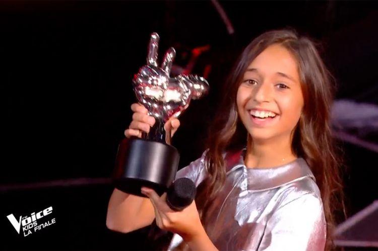 """""""The Voice Kids"""" : Rébecca est la gagnante de la saison 7, toutes ses prestations en vidéo"""