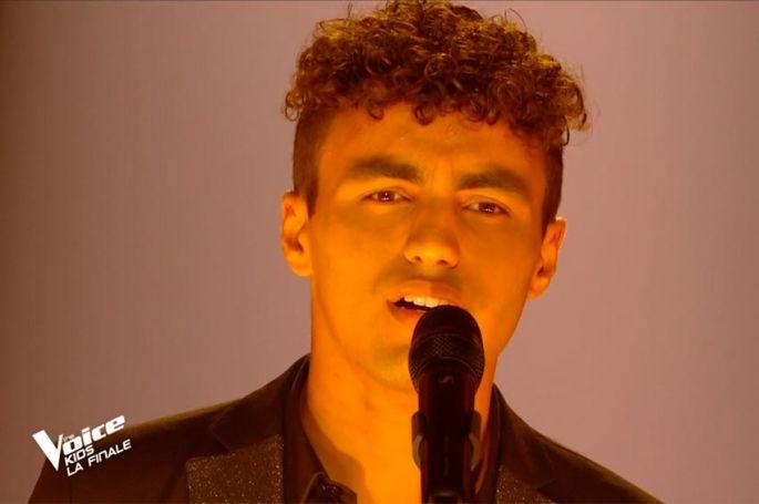 """Replay """"The Voice Kids"""" : Abdellah chante « Quand on a que l'amour » de Jacques Brel (vidéo)"""