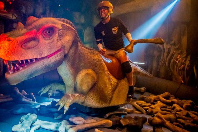 """Fort Boyard"" : Maurice Barthelemy va essayer de dompter le Dino samedi soir sur France 2 (vidéo)"