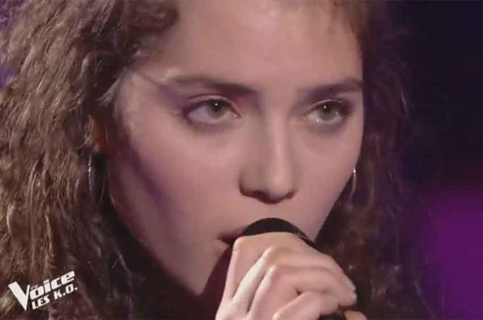 "Replay ""The Voice"" : Ava Baya chante « La thune » de Angèle (vidéo)"