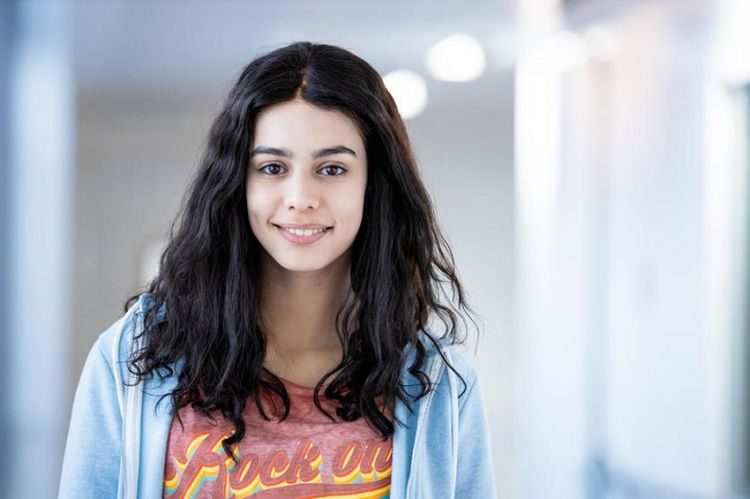 """""""Les bracelets rouges"""" : Hanane El Yousfi (Nour) parle de son arrivée dans la saison 3"""