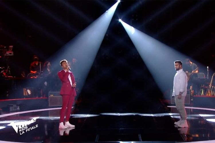 "Replay ""The Voice Kids"" : Abdellah & Kendji Girac chantent « Bella Ciao » (vidéo)"