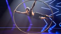 "Replay ""The Best"" : regardez la prestation d'Alexandre Lane avec sa roue vive (vidéo)"