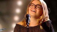 """Replay """"The Voice Kids"""" : Agathe chante « Quand on a que l'amour » de Jacques Brel en finale (vidéo)"""