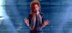 "Replay ""Nouvelle Star"" : Emji interprète ""Sweet Dreams"" d'Eurythmics (vidéo)"