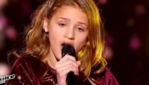 """Replay """"The Voice Kids"""" : Lou chante « Les yeux de la Mama » de Kendji Girac en demi-finale (vidéo)"""