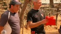 """""""Pékin Express"""" : Jacky et Christian sauvés par l'enveloppe noire en fin de 3ème étape (vidéo replay)"""