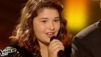 """Replay """"The Voice Kids"""" : Coline chante « Qui a le droit » de Patrick Bruel (vidéo)"""