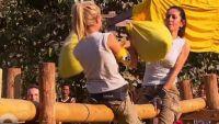 Pékin Express : Chantal en grande difficulté sur son bambou lors de la bataille de polochon (vidéo)
